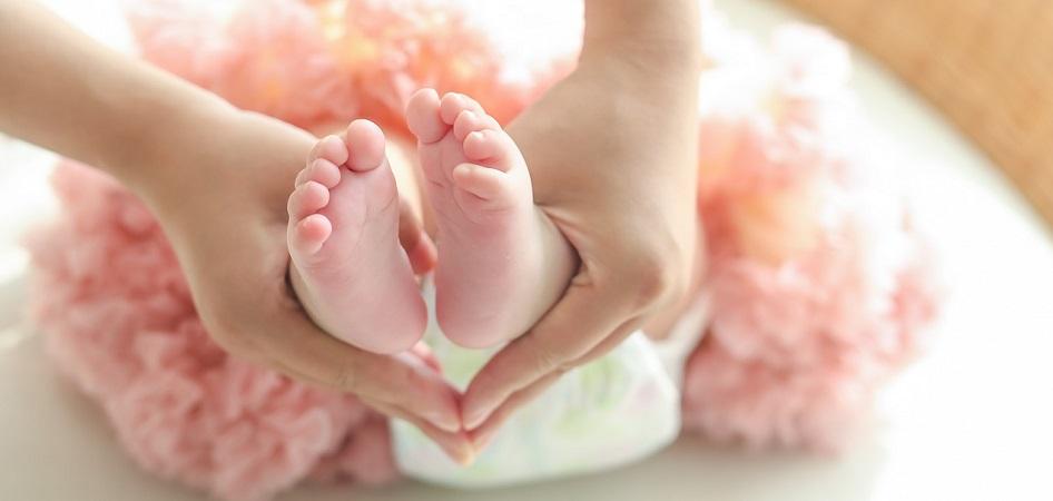 piedini neonato